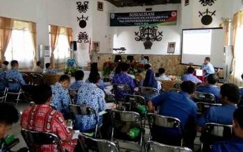 Suasana Sosialisasi penyusunan rancangan rehabilitasi dan rekronstruksi pasca bencana, yang digelar BPBD Lamandau, di Aula Bappeda Lamandau, Kamis (17/11/2016). BORNEONEWS/HENDI NURFALAH