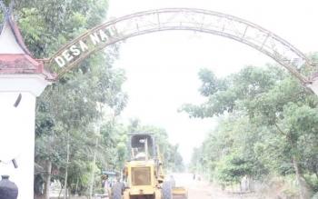 Melalui dana desa yang digelontorkan oleh Pemkab Kotawaringin Barat, pembangunan di sejumlah desa mulai digenjot. DOK BORNEONEWS