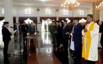 Gubernur Kalimantan Tengah (Kalteng) Sugianto Sabran kembali melantik pejabat sruktural. BORNEONEWS/ROZIKIN