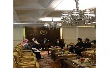 Pertemuan Ketua DPR RI, Ade Komarudin, Wakil Ketua DPR RI Fahri Hamzah, dan Hamdhani, Kapoksi BKSAP Fraksi NasDem DPR RI, dengan Duta Besar Arab Saudi, HE Mr Mustafa Ibrahim Al-Mubarak. BORNEONEWS/DOK.