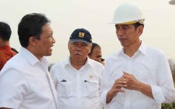 Presiden Joko Widodo saat berkunjung ke Pulang Pisau meninjau blocking kanal penanganan Karhutla, tahun lalu. Tahun ini rencananya Presiden kembali ke Pulang Pisau melakukan penanaman pohon di lokasi HTR. BORNEONEWS/JAMES DONNY