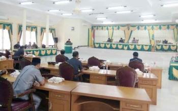 Rapat Paripurna Tentang Pembahasan Ranperda di Gedung DPRD Lamandau, belum lama ini. Kamis (24/11/2016), DPRD menyetujui sejumlah Ranperda. BORNEONEWS/HENDI NURFALAH
