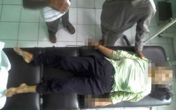 Rodiah, 55, warga Jalan Trans Kalimantan KM 5 Desa Tambun Raya, Kecamatan Basarang Kabupaten Kapuas, tewas pada kecelakaan yang terjadi di Desa Maluen KM 2, Kecamatan Basarang, Jumat (25/11) pagi. BORNEONEWS/SRI HAYATI