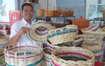 Kepala Bidang Industri Dinas Perindagkop UMKM Kabupaten Kapuas, Ferdinan Junarko. BORNEONEWS/DJEMMY NAPOLEON