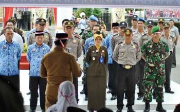 Bupati lantik Unit Satgas Saber Pungli Kabupaten Pulang Pisau. BORNEONEWS/JAMES DONNY