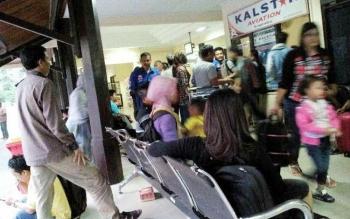 Sejumlah penumpang menunggu keberangkatan pesawat dari Pangkalan Bun menuju Semarang, Surabaya, Jakarta, dan kota-kota di Kalimantan. BORNEONEWS/FAHRUDDIN FITRIYA