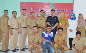 Kantor Perpustakaan Arsip dan Dokumentasi Daerah Kapuas melaksanakan Pelatihan Strategi Pengembangan Perpustakaan Desa Kapuas 2016, di Gedung KPAD Kuala Kapuas, Senin (5/12/2016). BORNEONEWS/DJEMMY NAPOLEON