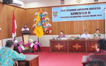 Pembekalan penyusunan laporan logistik Semester II di Aula Dinsos Kalimantan Tengah, akhir pekan lalu, mengundang pejabat Kementerian Sosial (Kemensos) RI. BORNEONEWS/M. MUCHLAS ROZIKIN