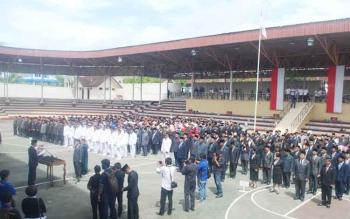 Bupati Barito Utara H Nadalsyah melantik 579 pejabat eselon II, III dan IV di arena Tiara Batara Muara Teweh, Rabu (28/12/2016). BORNEONEWS/PPOST/AGUS SIDIK