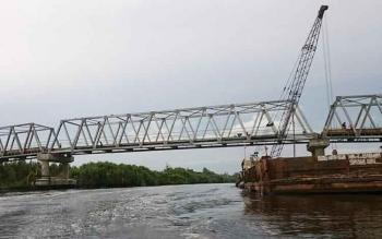 Jembatan Sebangau, Kabupaten Pulang Pisau, Kalimantan Tengah, yang masih dalam pembangunan.