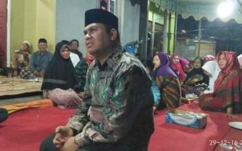 Calon Wakil Bupati Kotawaringin Barat, Ahmadi Riansyah menghadiri sambung aspirasi di Kumai Hilir, Kecamatan Kumai. BORNEONEWS/KOKO SULISTYO