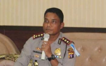 Kapolres Seruyan AKBP Syahbudin Nasution ketika memberikan keterangan terkait peredaran miras.