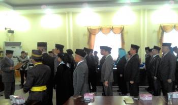 Walikota Palangka Raya, Riban Satia melantik 33 kepala SKPD, staf ahli dan asisten, Kamis (30/12/2016). BORNEONEWS/TESTI