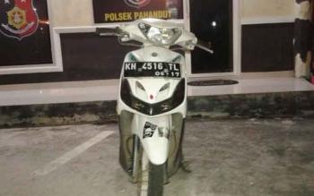 Motor tersangka jambret yang diamankan di Polsek Pahandut, Kota Palangka Raya, Selasa (3/1/2017). (BORNEONEWS/BUDI YULIANTO)
