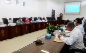 Rapat pembahasan propemperda di ruang rapat DPRD Kabupaten Barito Utara, Rabu (4/1/2017).\r\n(BORNEONEWS/RAMADANI)