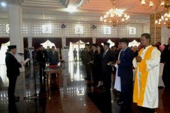 Pelantikan pejabat Pemprov Kalteng yang digelar di Istana Isen Mulang (IIM) beberapa waktu lalu. BORNEONEWS/ROZIKIN
