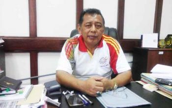 Sekretaris Daerah Kabupaten Seruyan Haryono saat memberikan keterangan seputar pegawai Pemkab yang keluyuran di luar jam kerja, Jumat (6/1/2017). BORNEONEWS/PARNEN