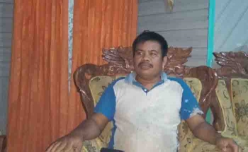 Pj Kades Desa Dorong, Barito Timur, Ucerman. (BORNEONEWS/AMAR ISWANI)
