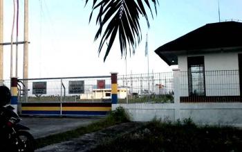 Bangunan Gardu Induk PLN Rayon Kasongan tegangan tinggi 130.000 volt ini dibangun di tepi Jalan Trans Kalimantan Km3 arah Palangkaraya. Sejauh ini warga Kasongan mengeluhkan listrik PLN sering padam mendadak.BORNEONEWS/ABDUL GOFUR