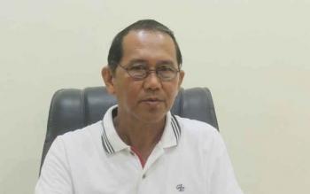 Kepala Badan Pengelola Pendapatan Daerah Kabupaten Kotawaringin Timur, Arnila, saat diwawancarai di kantornya, Selasa (10/1/2017). (BORNEONEWS/RAFIUDIN)