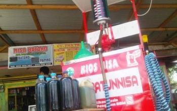 Harga BBM jenis pertamax dan pertalite di pedesaan di Kabupaten Barito Utara berkisar Rp10 ribu hingga Rp12.500 per liter. (BORNEONEWS/URIUTU)