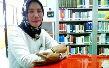 Kepala Dinas Perpustakaan dan Kerasipan Kobar Hardaniyanti. BORNEONEWS/WAHYU KRIDA