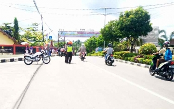 Personel Satuan Lantas Polres Barito Utara. (BORNEO/RAMADHANI)
