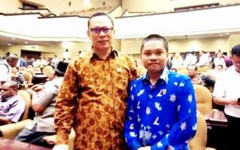 Anggota DPRD Kapuas, Berinto (kanan), bersama anggota DPD RI asal Kalimantan Tengah, H. Muhammad Mawardi. BORNEONEWS/DJEMMY NAPOLEON