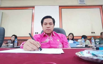 Arianto S Muler : Wakil Ketua I DPRD Barito Timur saat mengikuti rapat fraksi