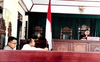 Sidang pembacaan putusan atas gugatan M Iman terhadap Kalstar Aviation. BORNEONEWS/RIFQI