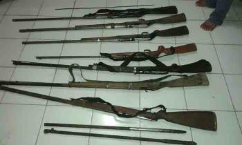 Tujuh senjata api yang diserahkan warga Sukamara kepada Kodim 1014/Pbn. BORNEONEWS/KOKO