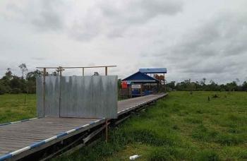 Pasar Ikan yang berlokasi di Jalan Cakra Adiwijaya, Sukamara, kerap dijadikan tempat pacaran. BORNEONEWS/NORHASANAH