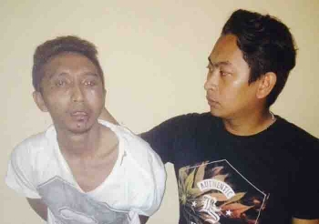 DPO Polda Kaltim, SU (Kiri) yang ditangkap di Sukamara. BORNEONEWS/NORHASANAH