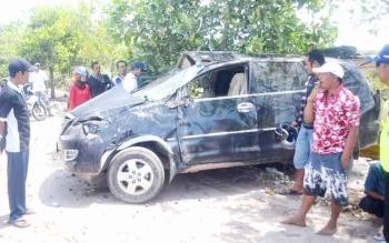 Kecelakaan tunggal yang terjadi pada sebuah mobil di jalur Kecamatan Pantai lunci Kabupaten Sukamara beberapa waktu lalu. BORNEONEWS/NORHASANAH