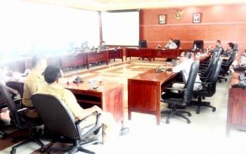 Suasana rapat yang digelar DPRD Kapuas. BORNEONEWS/DJIMMY NAPOLEON