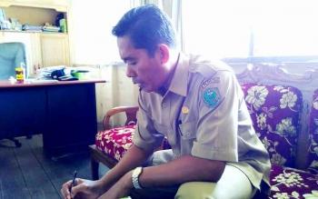 Kepala Sekolah SMA Negeri 1 Kahayan Hilir Suparno. BORNEONEWS/JAMES DONNY