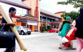 RSSI - Akhirnya Silon dirujuk ke Rumah Sakit Sultan Imanuddin Pangkalan Bun. BORNEONEWS/FAHRUDDIN FITRIYA