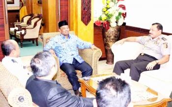 Pertemuan Wagub Kalteng Habib Said Ismail dengan Setjen Wantannas di ruang kerjanya. BORNEONEWS/M ROZIQIN