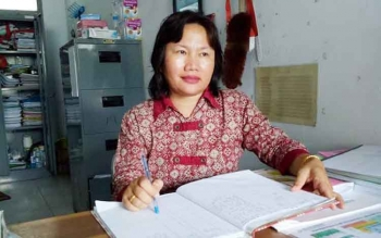 Koordinator Kesehatan Ibu dan Anak (KIA) Sukamara, Yuyena Aman. BORNEONEWS/NORHASANAH