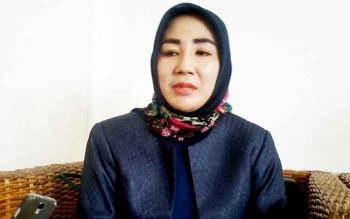 Wakil Ketua I DPRD Katingan, Endang Susilawatie, yang juga istri Bupati Ahmad Yantenglie. BORNEONEWS/ABDUL GOFUR