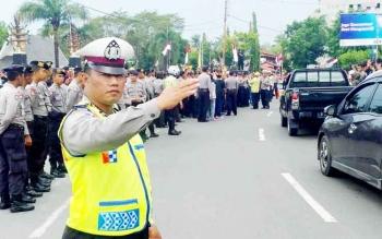 Lebih 300 Polisi Amankan Aksi Tuntut Bubarkan FPI di Palangka Raya