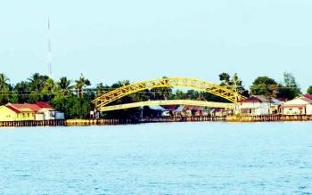 Jembatan Cukai Pulang Pisau sebelum dibongkar untuk dibangun kembali. BORNEONEWS/JAMES DONNY