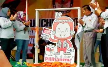 ILUSTRASI: Peluncuran Maskot Pilkada Kotawaringin Barat 2017, Miko. BORNEONEWS/DOK