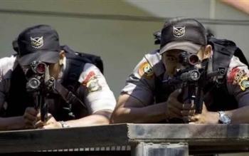 Sniper juga terlibat dalam Aparat gabungan pengamanan Debat Kandidat Pilkada Kobar 2017, di Gedung DPRD Kotawaringin Barat, di Pangkalan Bun, Sabtu (21/1/2017). BORNEONEWS/CECEP HERDI