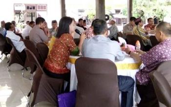 Coffee Morning yang diinisiasi Mapolres Lamandau, di Nanga Bulik, Sabtu (21/1/2017). BORNEONEWS/RAMADHANI