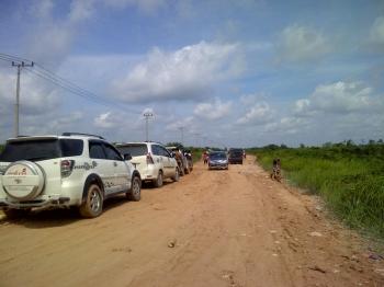 Kondisi lalu lintas di Jalan Pangkalan Bun-Kolam. BORNEONEWS/RADEN ARIYO WICAKSONO