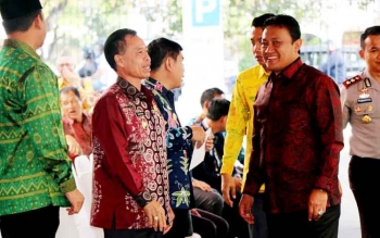 Bupati Pulang Pisau Edy Pratowo bersama kepala daerah lainnya saat menghadiri Rakornas Karhutla di Istana Negara, Senin (23/1/2017). (BORNEONEWS/JAMES DONNY/IST)