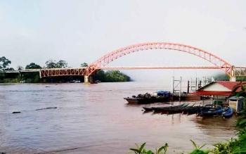 Jembatan Merdeka di Murung Raya. BORNEONEWS/SUPRI ADI