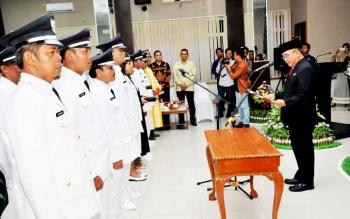 PELANTIKAN - Pelantikan kepala desa yang terpilih dalam Pilkades serentak di Kabupaten Kobar.