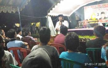 Kegiatan kampanye dialogis di Desa Sungai Pakit, dilaksanakan di tengah guyuran hujan lebat. Walau begitu loyalis Nurani tetap setia datang mengikuti kampanye hingga berakhir pukul 22.00 WIB.